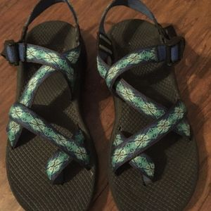 Like New CHACO Z/Cloud 2 Women's Sandals, size 9